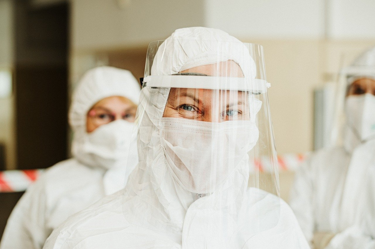 El coronavirus sí permanece en el aire, pero no como te lo imaginas