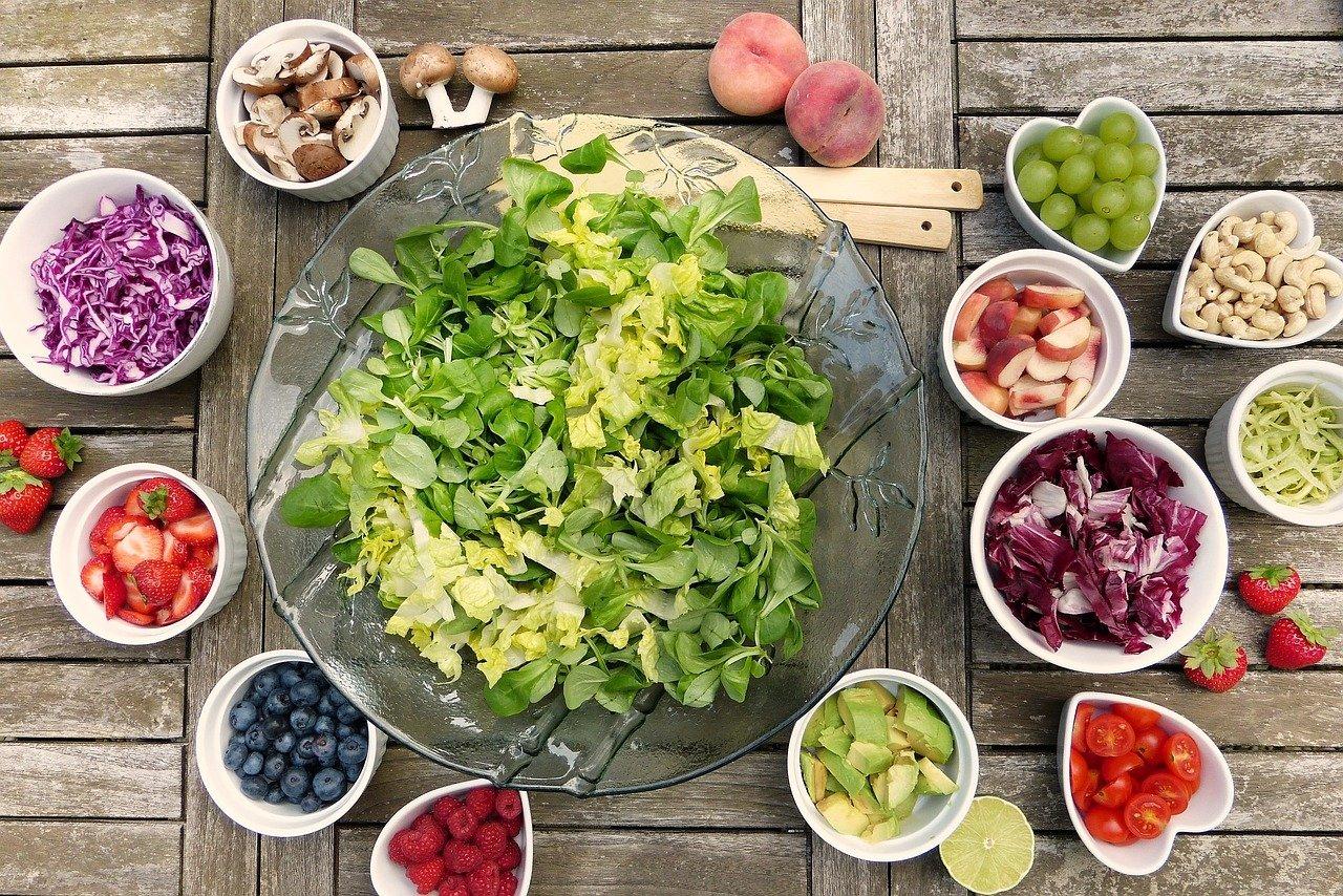 ¿Qué sabemos sobre la transmisión del coronavirus a través de los alimentos y envases?